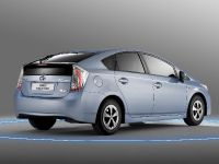 2012 Toyota Prius Plug-In Hybrid, 3 of 5