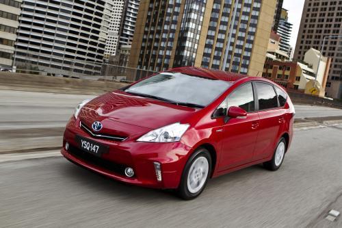 2012 Toyota Prius v - просторный и эффективный