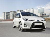 2012 Toyota Yaris HSD, 2 of 5