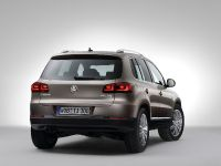 2012 Volkswagen Tiguan, 2 of 6