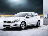 2012 Volvo V60 Plug-in Hybrid, 14 of 37