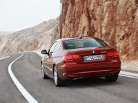 2013 BMW 3-Series E92 LCI 335i, 2 of 3