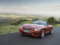 2013 BMW Z4 sDrive18i, 2 of 12