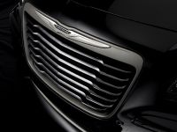 2013 Chrysler 300C John Varvatos Limited Edition , 19 of 23