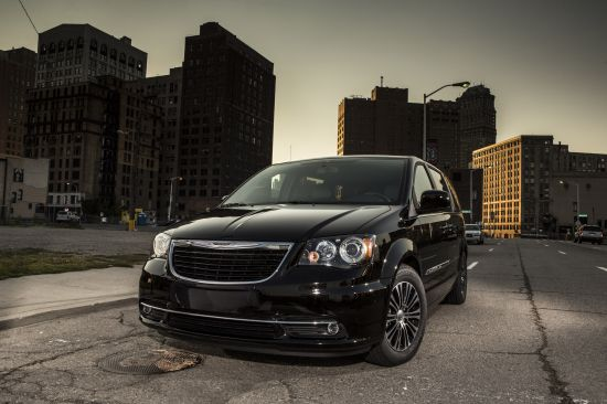 2013 chrysler town and country s picture 77464. Black Bedroom Furniture Sets. Home Design Ideas