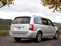 2013 Chrysler Town And Country S
