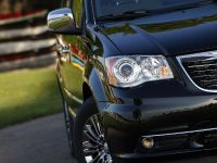 2013 Chrysler Town And Country S , 19 of 19