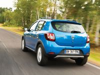 2013 Dacia Sandero Stepway, 2 of 4