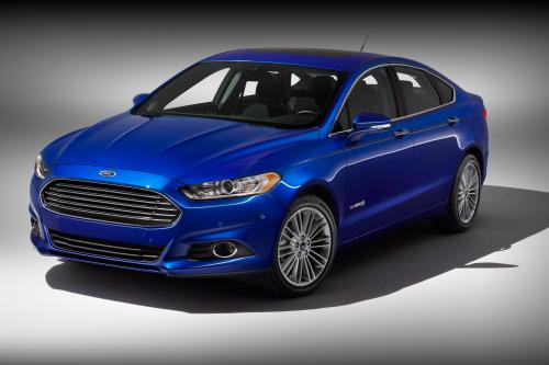 Ford Fusion hybrid на NAIAS