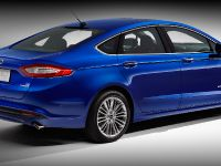 2013 Ford Fusion Hybrid, 2 of 13