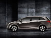 2013 Hyundai i30 Wagon, 2 of 3