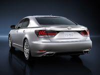 2013 Lexus LS 460, 4 of 10