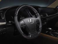2013 Lexus LS 460, 6 of 10