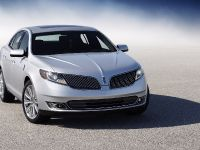 2013 Lincoln MKS, 2 of 17