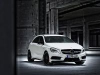 2013 Mercedes-Benz A45 AMG, 8 of 24