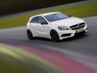 2013 Mercedes-Benz A45 AMG, 17 of 24