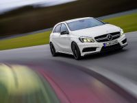 2013 Mercedes-Benz A45 AMG, 18 of 24