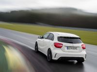 2013 Mercedes-Benz A45 AMG, 20 of 24