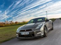 2013 Nissan GT-R Gentleman Edition, 4 of 19