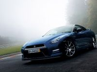 2013 Nissan GT-R, 2 of 7