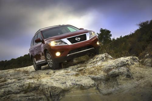 2013 Nissan Pathfinder показал [HD-видео]