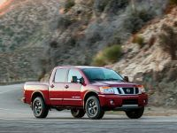 2013 Nissan Titan, 4 of 34