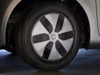 2013 Scion iQ EV, 11 of 20
