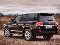 2013 Toyota Land Cruiser, 2 of 3