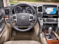 2013 Toyota Land Cruiser, 3 of 3