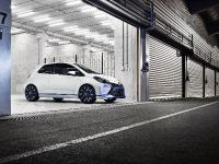 2013 Toyota Yaris Hybrid-R Concept, 4 of 8