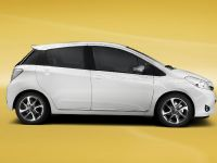 2013 Toyota Yaris Trend, 2 of 5
