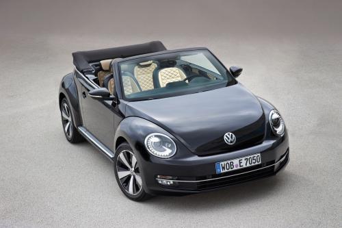 2013 Volkswagen Beetle и Beetle Cabriolet Exclusive добавила в ассортимент