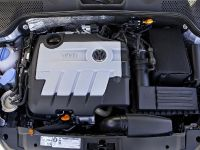 thumbnail image of 2013 Volkswagen Beetle TDI US
