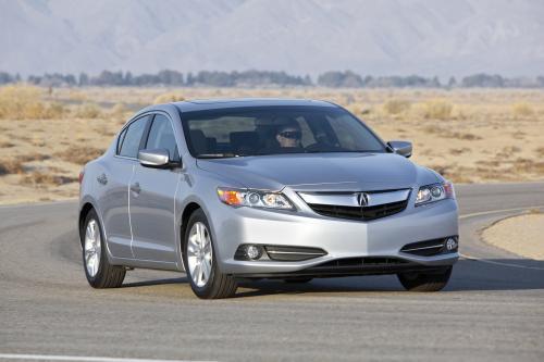 2014 году Acura ILX гибрид поступит в продажу сегодня