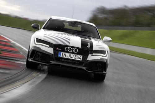 Ауди RS7 пилотируемого вождения концепция мировой спортивный автономного автомобиля [видео]