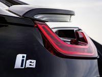 2014 BMW i8, 25 of 33