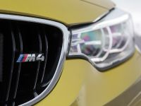 2014 BMW M4 Coupe UK, 10 of 11