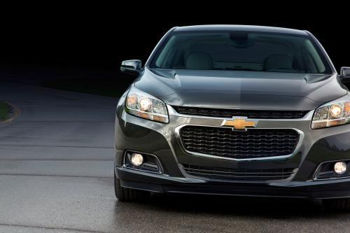 2014 Chevrolet Malibu Доставляет Больше Вместительность