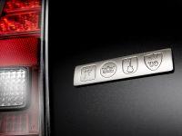 2014 Chrysler 300C John Varvatos Limited Edition, 19 of 25