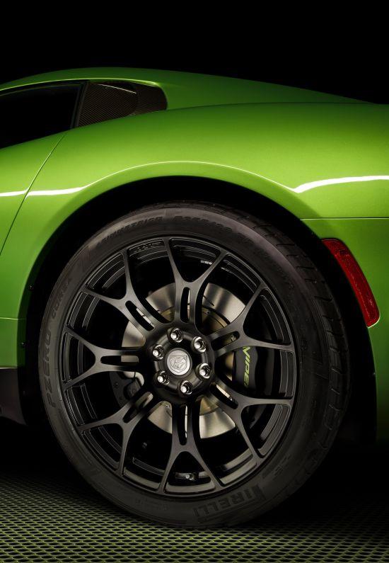Dodge SRT Viper Stryker Green