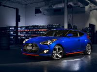 2014 Hyundai Veloster Turbo R-Spec, 2 of 4