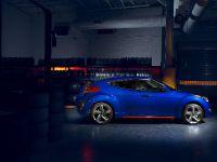 2014 Hyundai Veloster Turbo R-Spec, 3 of 4