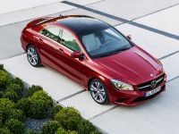 2014 Mercedes-Benz CLA 250 US, 8 of 31