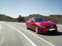 2014 Mercedes-Benz CLA 250 US, 12 of 31