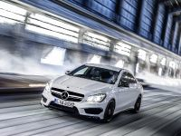 2014 Mercedes-Benz CLA 45 AMG, 2 of 27