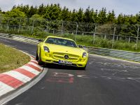 2014 Mercedes-Benz SLS AMG Coupe Electric Drive Production Car, 3 of 13