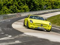 2014 Mercedes-Benz SLS AMG Coupe Electric Drive Production Car, 6 of 13