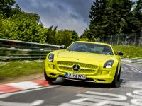 2014 Mercedes-Benz SLS AMG Coupe Electric Drive Production Car, 7 of 13