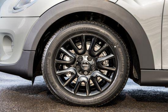 MINI Cooper D 5-Door Hatchback