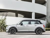 2014 MINI Cooper 5-Door Hatchback, 13 of 27